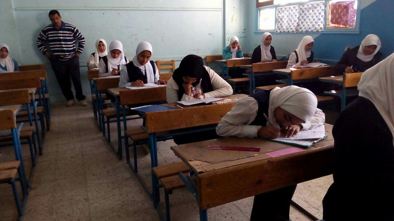 جانب من اداء الامتحانات للشهادة الاعدادية بالاقصر
