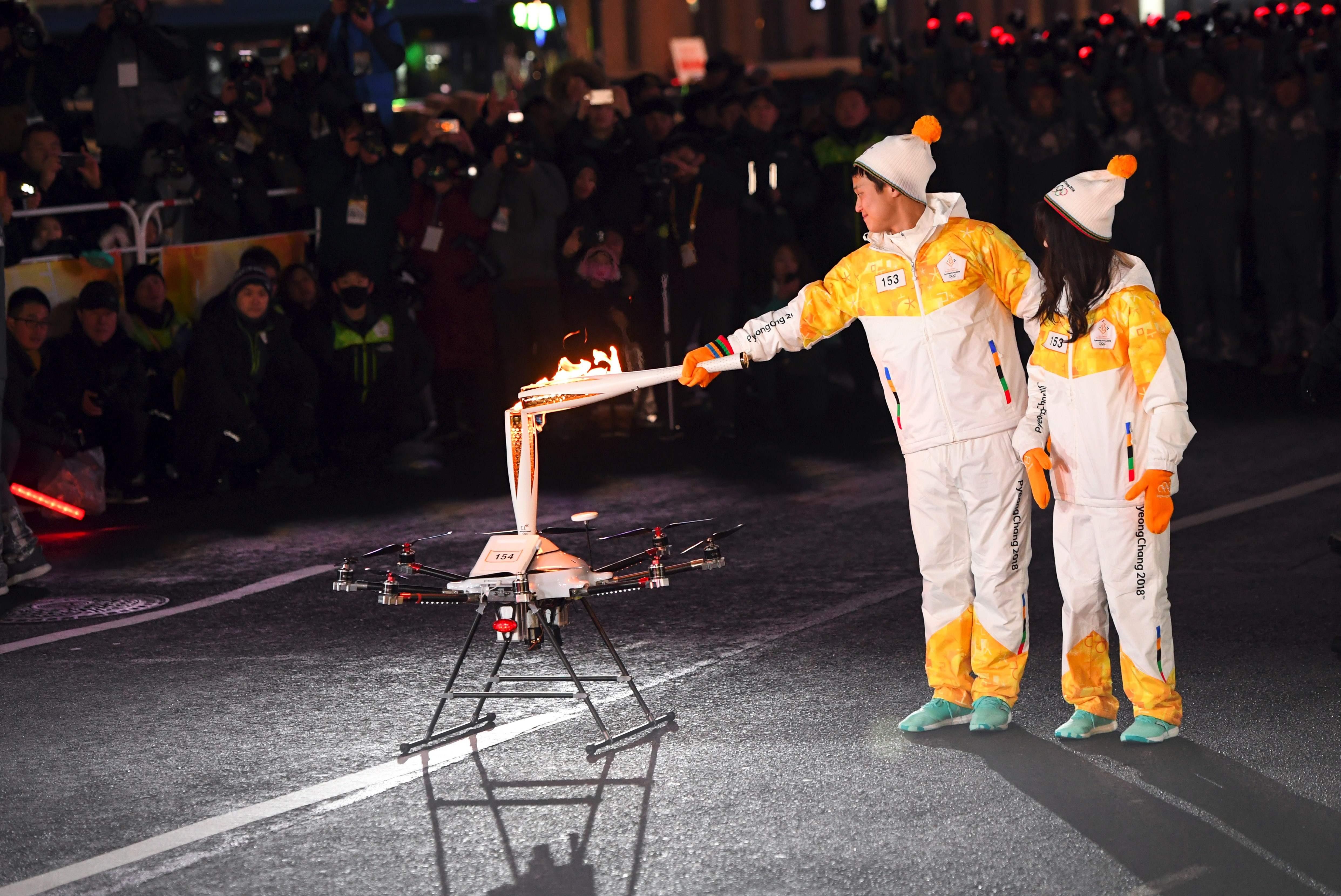إشعال الشعلة الأولمبية فى شوارع سيول