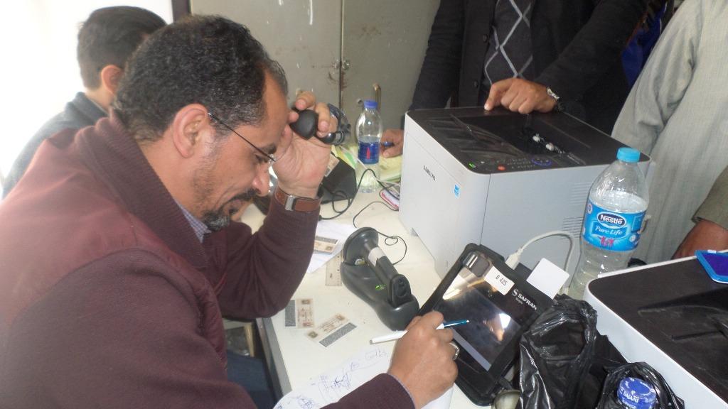 احمد حسن مسئول التوثيق بالقنطرة غرب