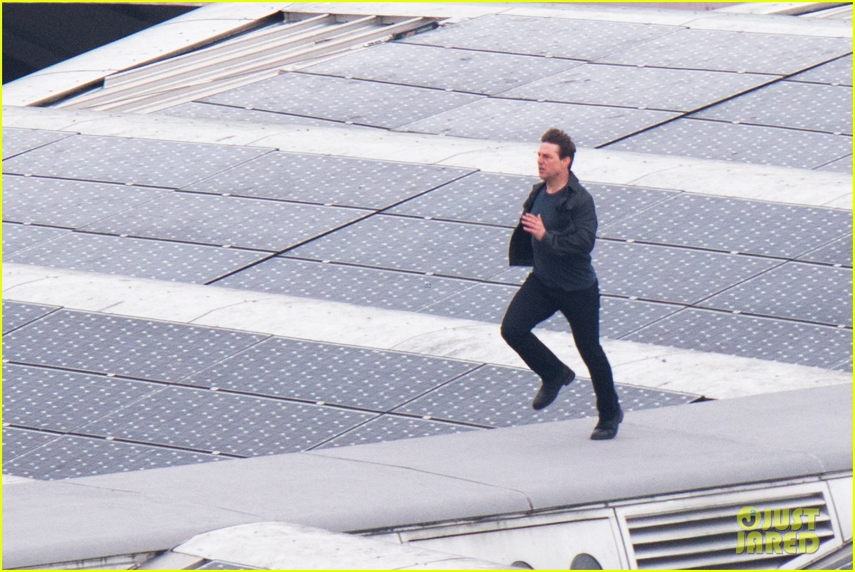"""توم كروز يصور مشاهد فيلم """"Mission: Impossible 6"""" في لندن"""