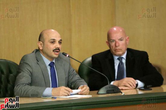 المؤتمر الصحفى الذى تنظمه لجنة الشئون العربية بنقابة الصحفيين (7)