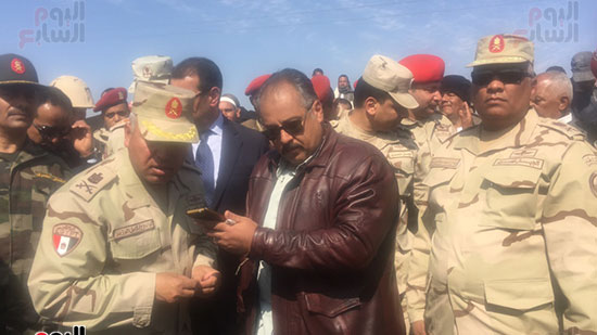 اللواء كامل الوزير رئيس الهيئة الهندسية للقوات المسلحة  (9)