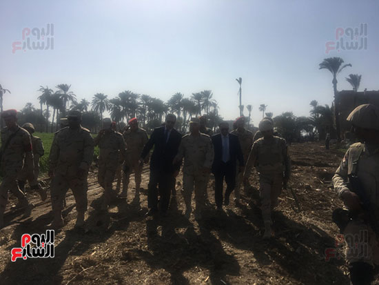 اللواء كامل الوزير رئيس الهيئة الهندسية للقوات المسلحة  (18)