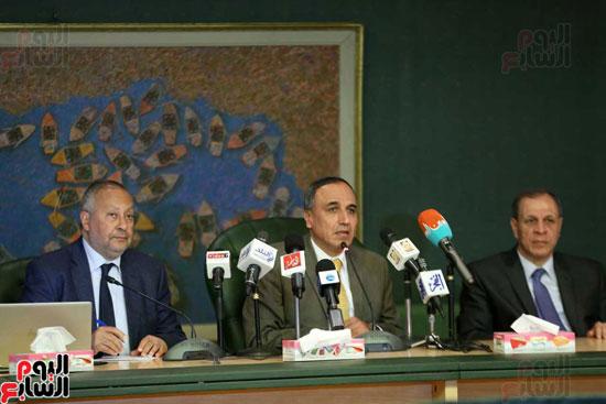 المؤتمر الصحفى الذى تنظمه لجنة الشئون العربية بنقابة الصحفيين (4)