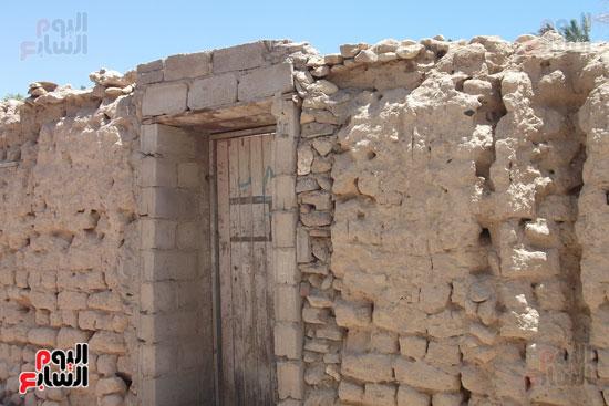 المنزل القديمة بقرية الوادى