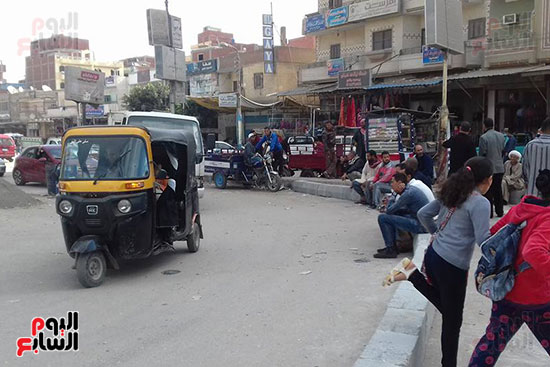 التوك توك فى شوارع القنطرة غرب
