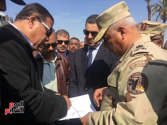اللواء كامل الوزير رئيس الهيئة الهندسية للقوات المسلحة  (3)