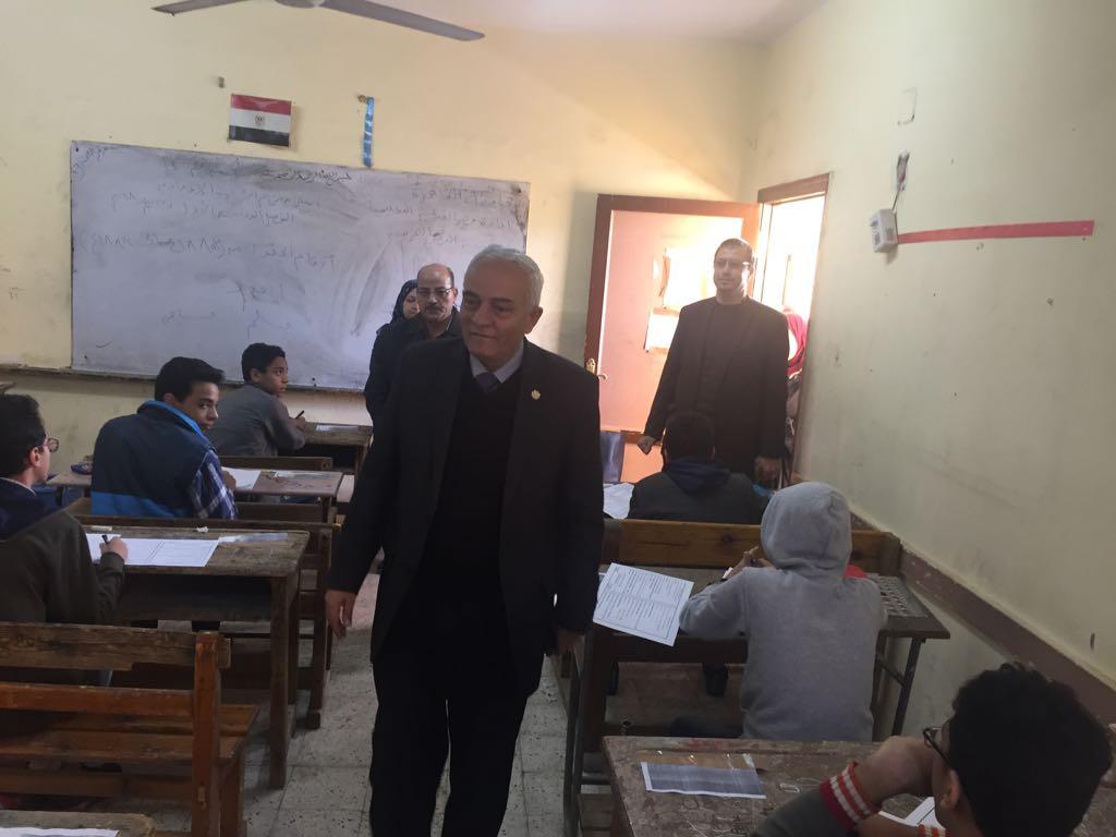 حجازي يتفقد سير امتحانات شهادة إتمام الدراسة بمرحلة التعليم الأساسي بالقاهرة (3)