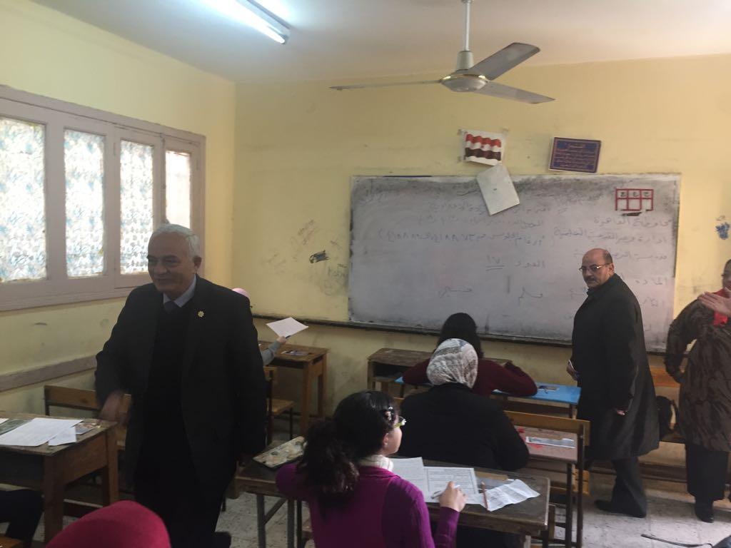 حجازي يتفقد سير امتحانات شهادة إتمام الدراسة بمرحلة التعليم الأساسي بالقاهرة (2)