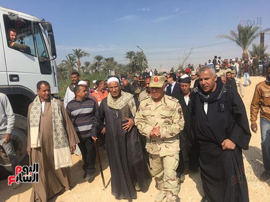 اللواء كامل الوزير رئيس الهيئة الهندسية للقوات المسلحة  (2)