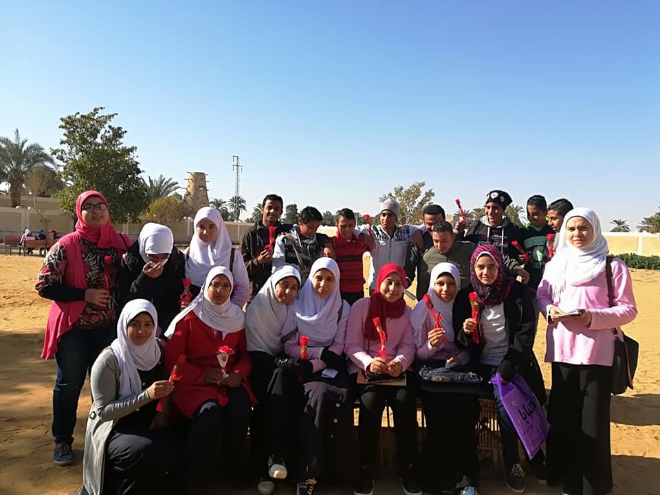 لقطات جماعية مع الطلاب