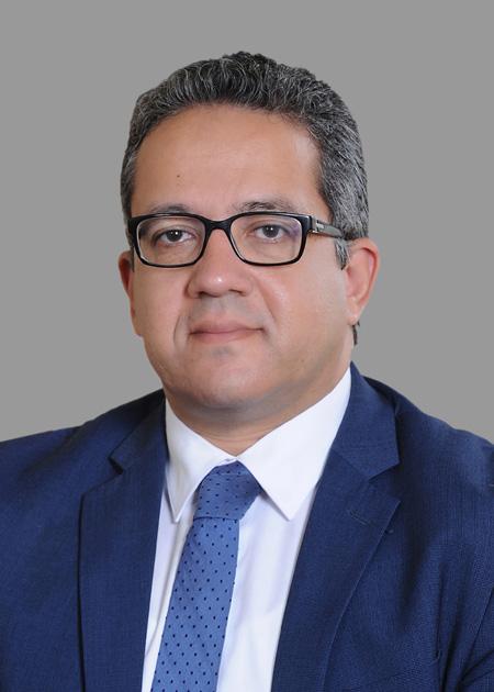 الدكتور خالد العنانى وزير الأثار