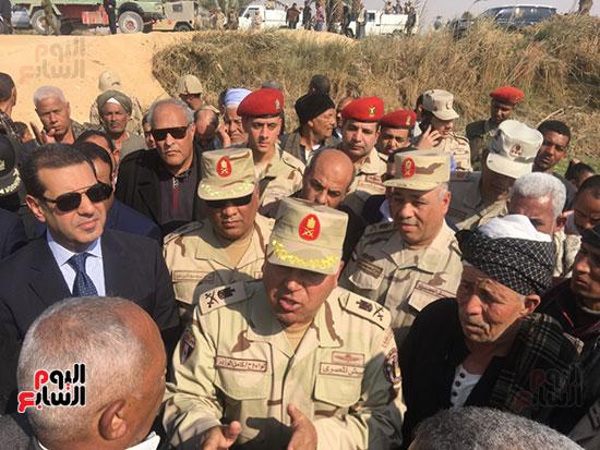 اللواء كامل الوزير رئيس الهيئة الهندسية للقوات المسلحة  (4)
