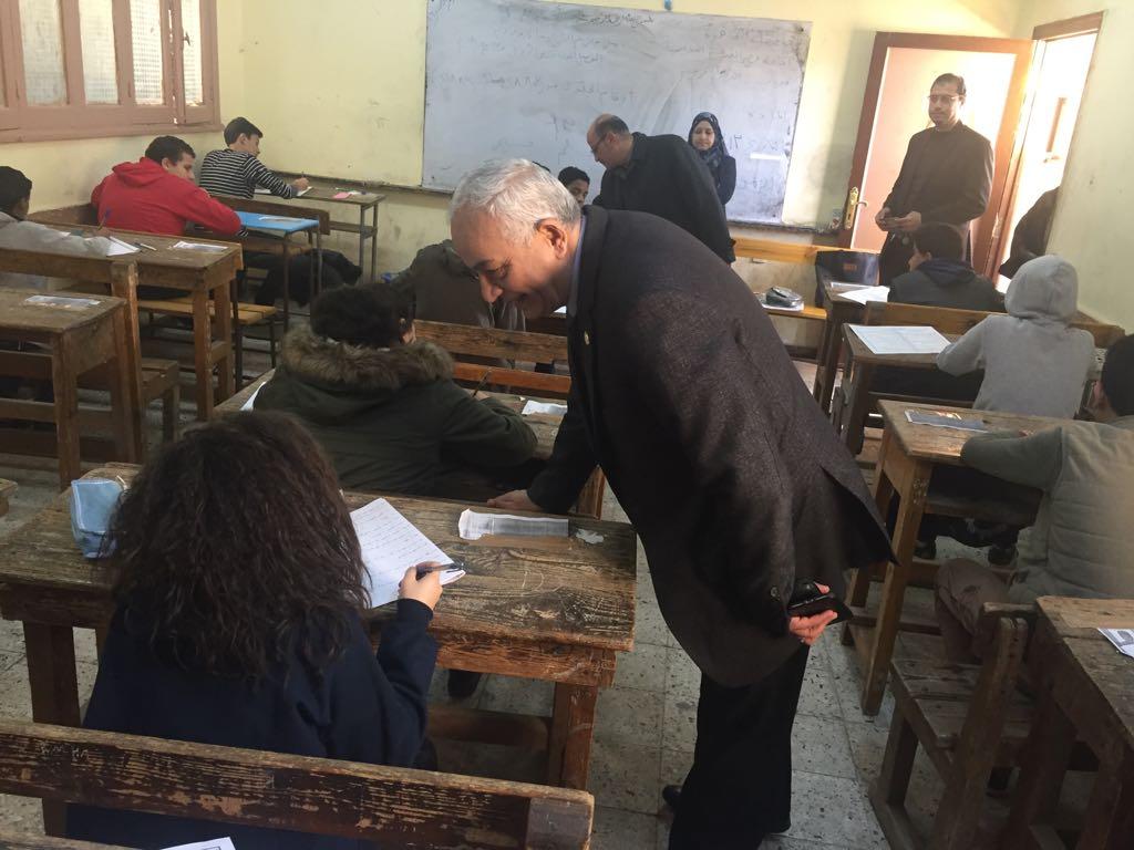 حجازي يتفقد سير امتحانات شهادة إتمام الدراسة بمرحلة التعليم الأساسي بالقاهرة (5)