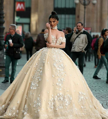 فستان منفوش