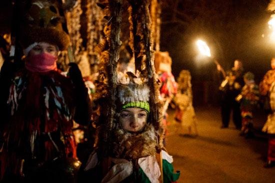 جانب من انطلاق مهرجان الأقنعة فى بلغاريا لطرد الأرواح الشريرة