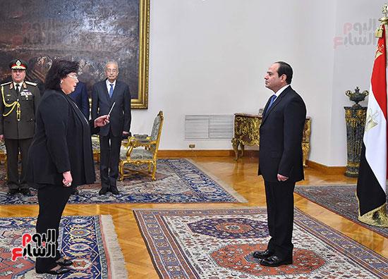 صور الوزراء الجدد يؤدون اليمين الدستورية أمام الرئيس السيسي (3)