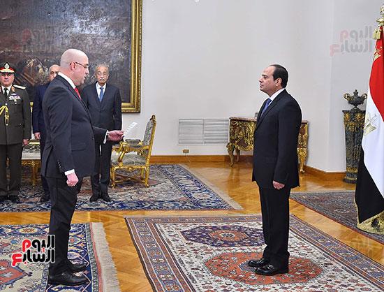 صور الوزراء الجدد يؤدون اليمين الدستورية أمام الرئيس السيسي (6)