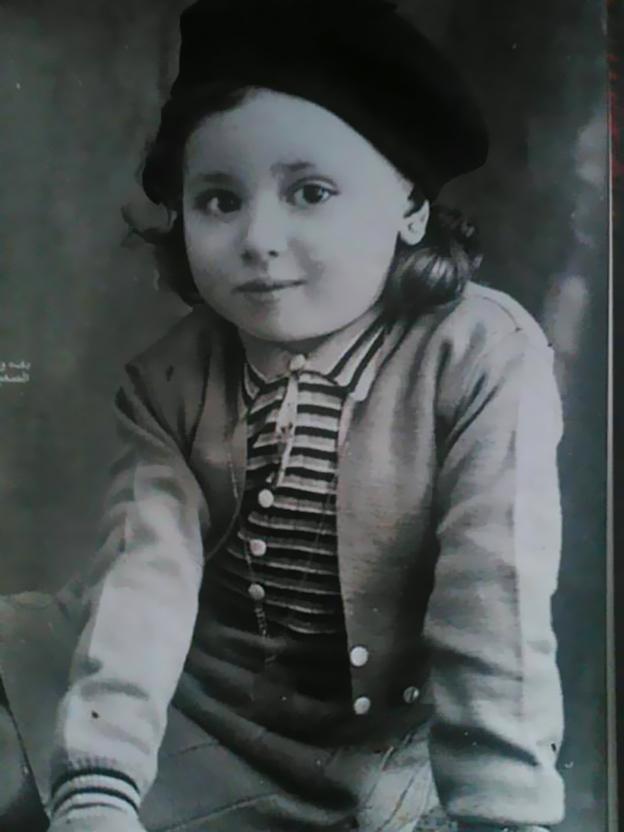 صورتها على غلاف أحد المجلات