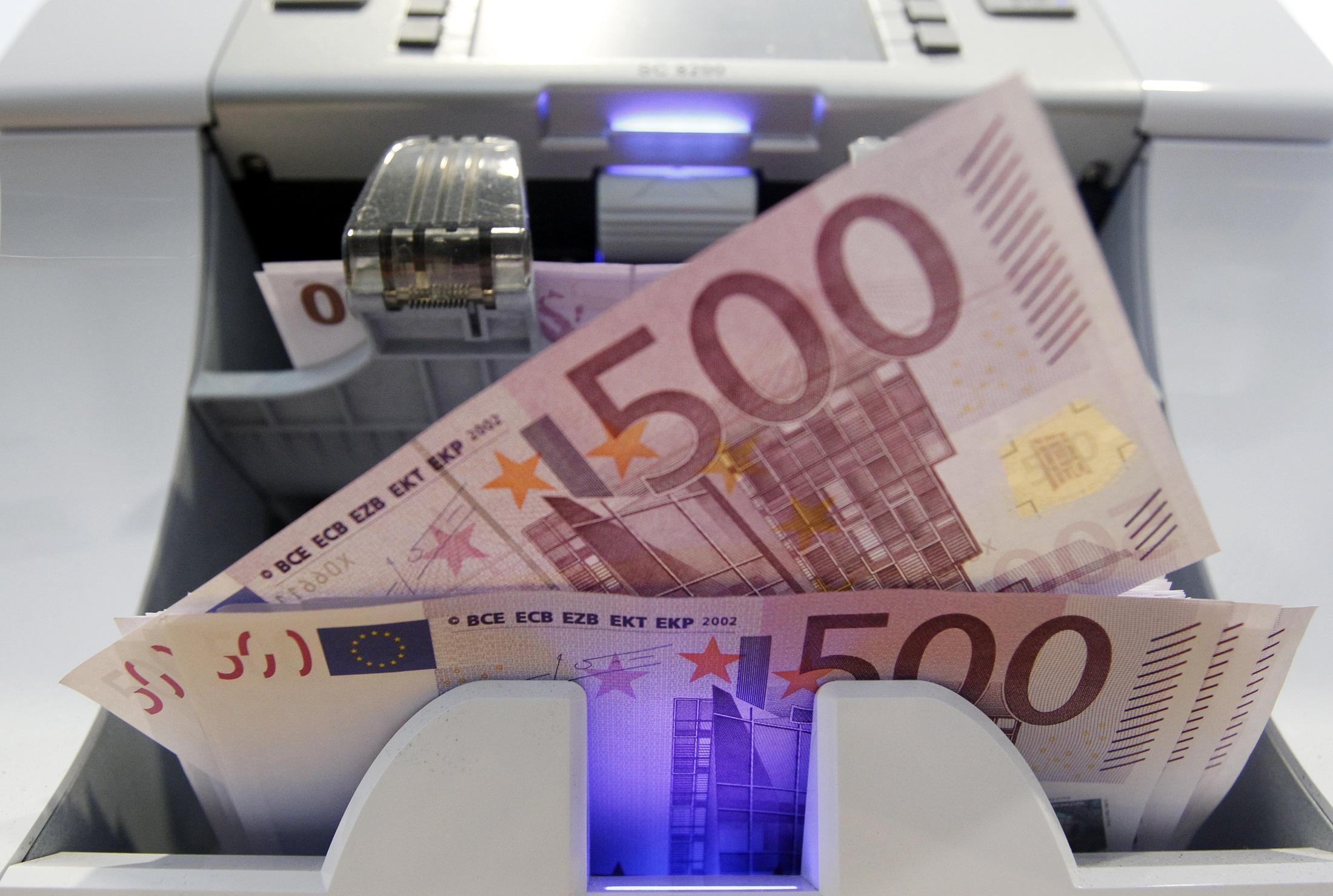 أسعار العملات اليوم الأربعاء 17-1-2018 واستقرار الدينار والاسترلينى 839790-سعر-اليورو-ال