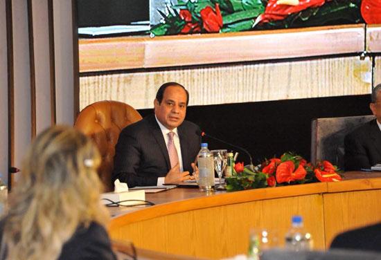 صور الرئيس السيسى فى مؤتمر حكاية وطن (9)