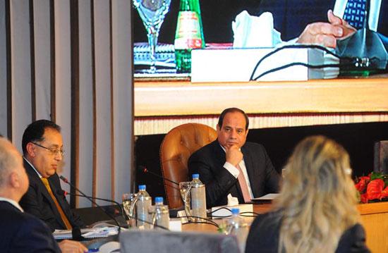صور الرئيس السيسى فى مؤتمر حكاية وطن (5)