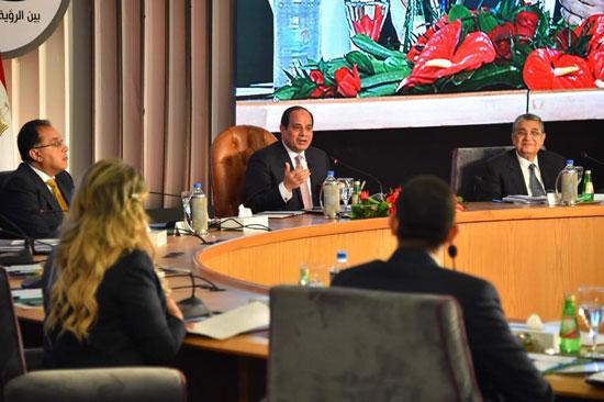 صور الرئيس السيسى فى مؤتمر حكاية وطن (10)