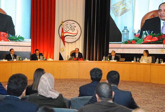 صور الرئيس السيسى فى مؤتمر حكاية وطن (8)