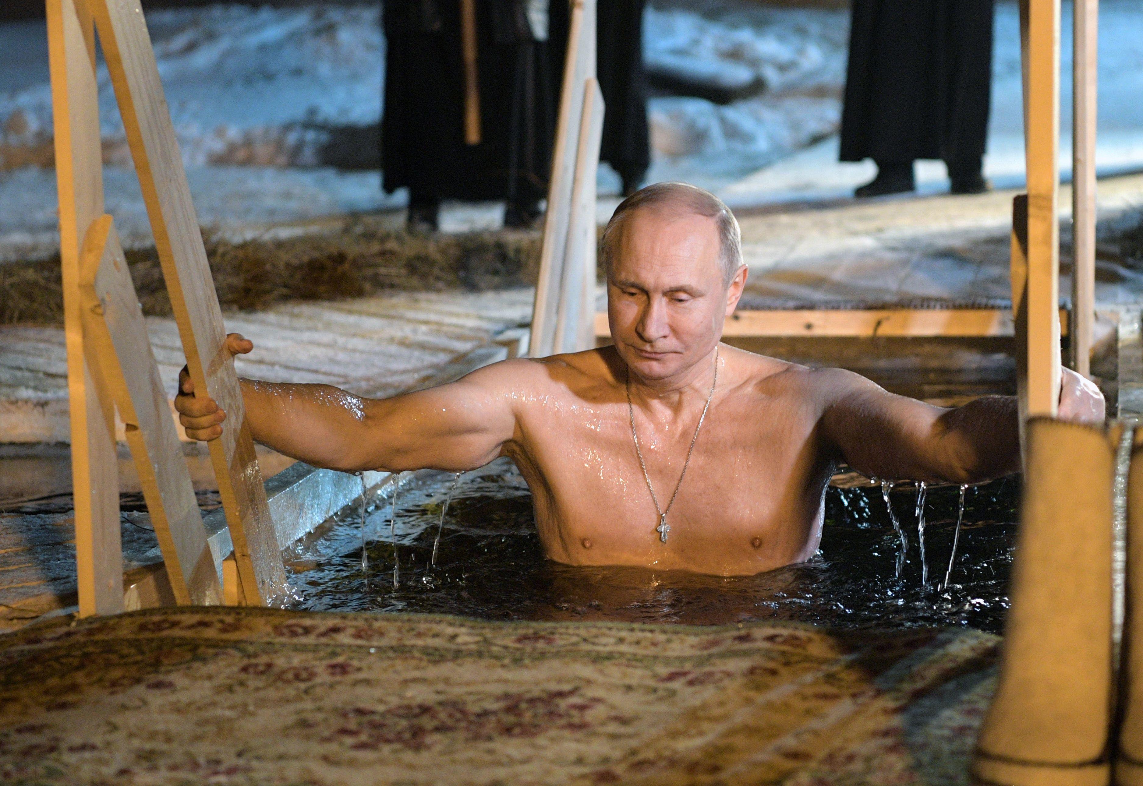 بوتين يشارك فى عيد الغطاس