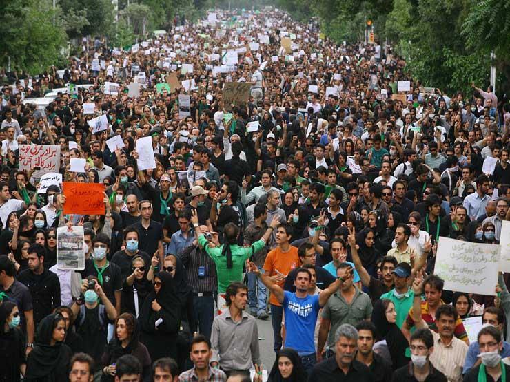 الثورة الإيرانية الدائرة الآن