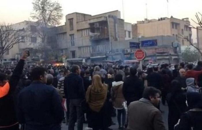 المدن الإيرانية شهدت مظاهرات عارمة