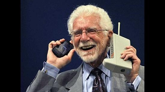 أول تليفون