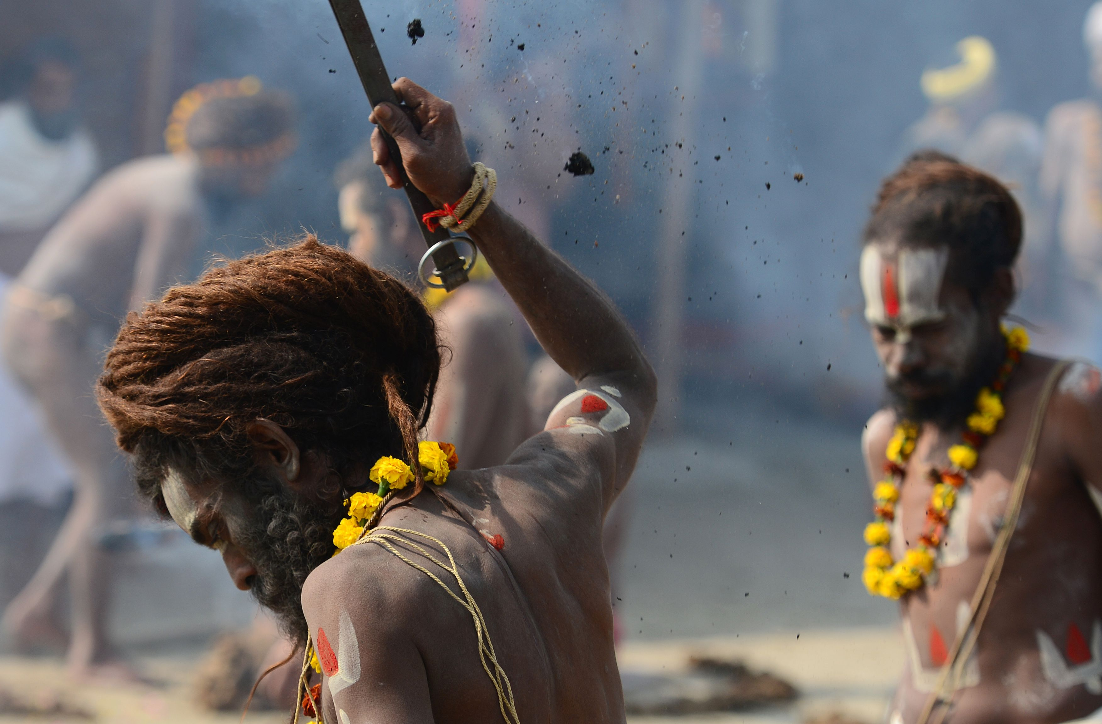 طقوس هندوسية فى مهرجان ماغ ميلا