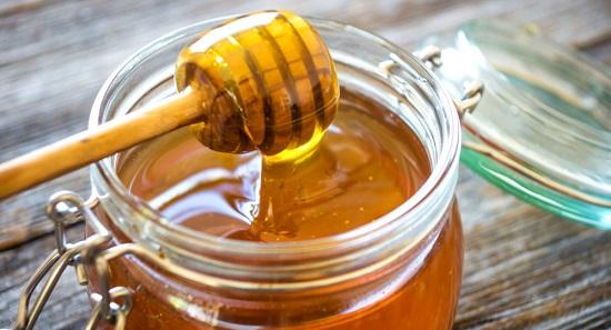 أضرار الإفراط فى تناول العسل منها الإمساك وزيادة النزيف اليوم السابع