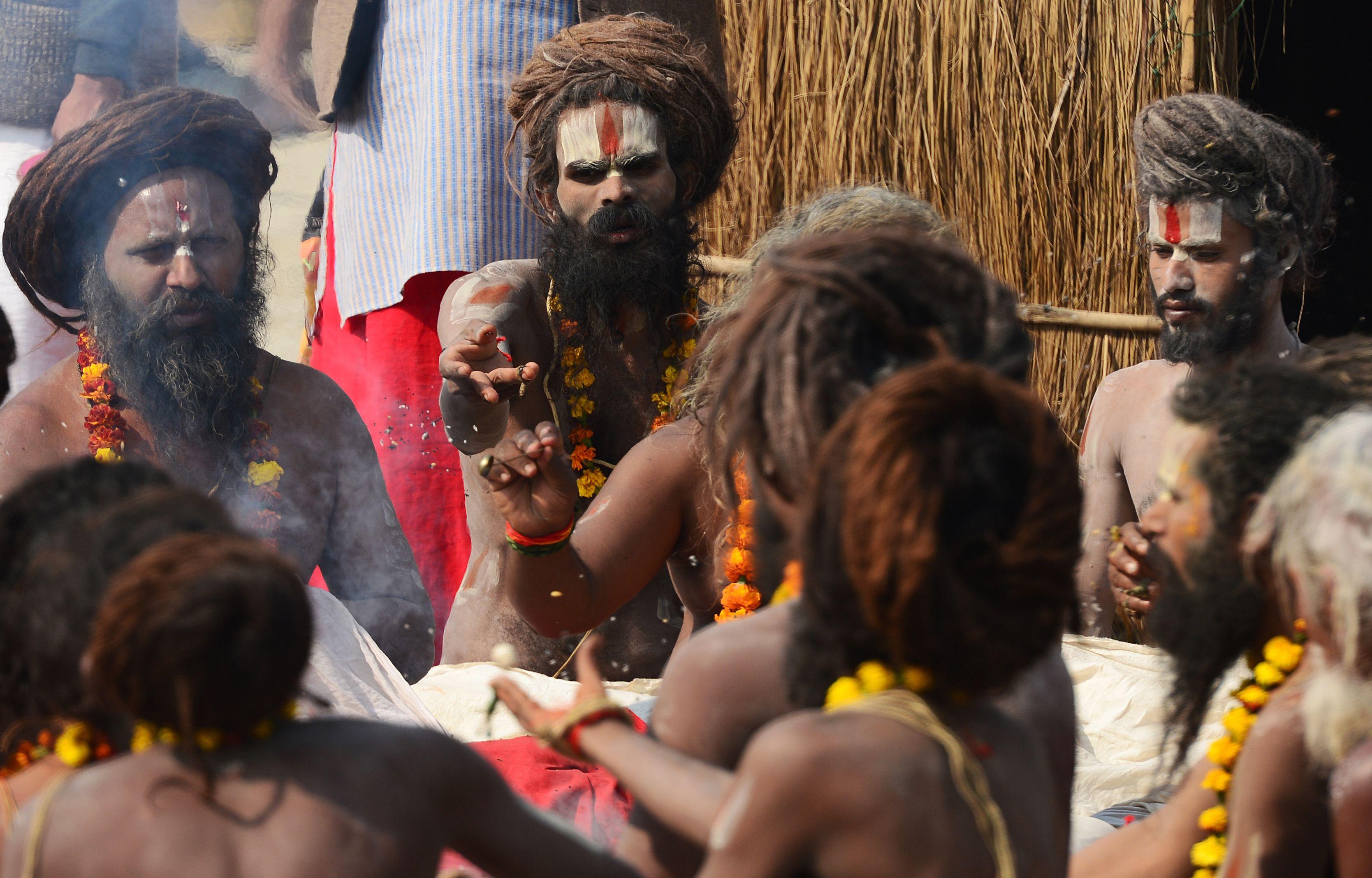 مهرجان ماغ ميلا فى الهند