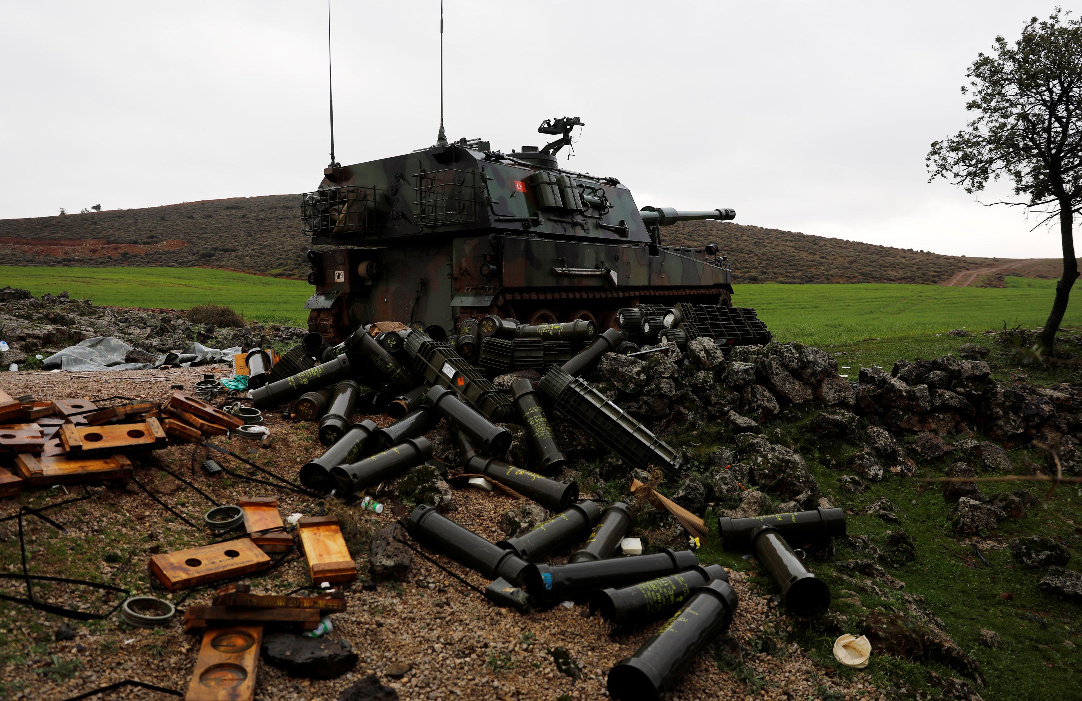 دانات فارغة للقصف التركى على عفرين السورية