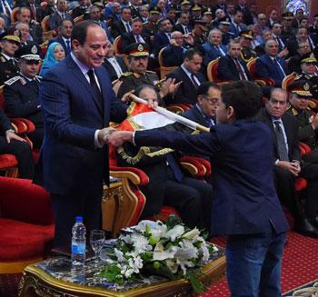 السيسى يحضر احتفاليه الشرطه بالعيد 66 (23)