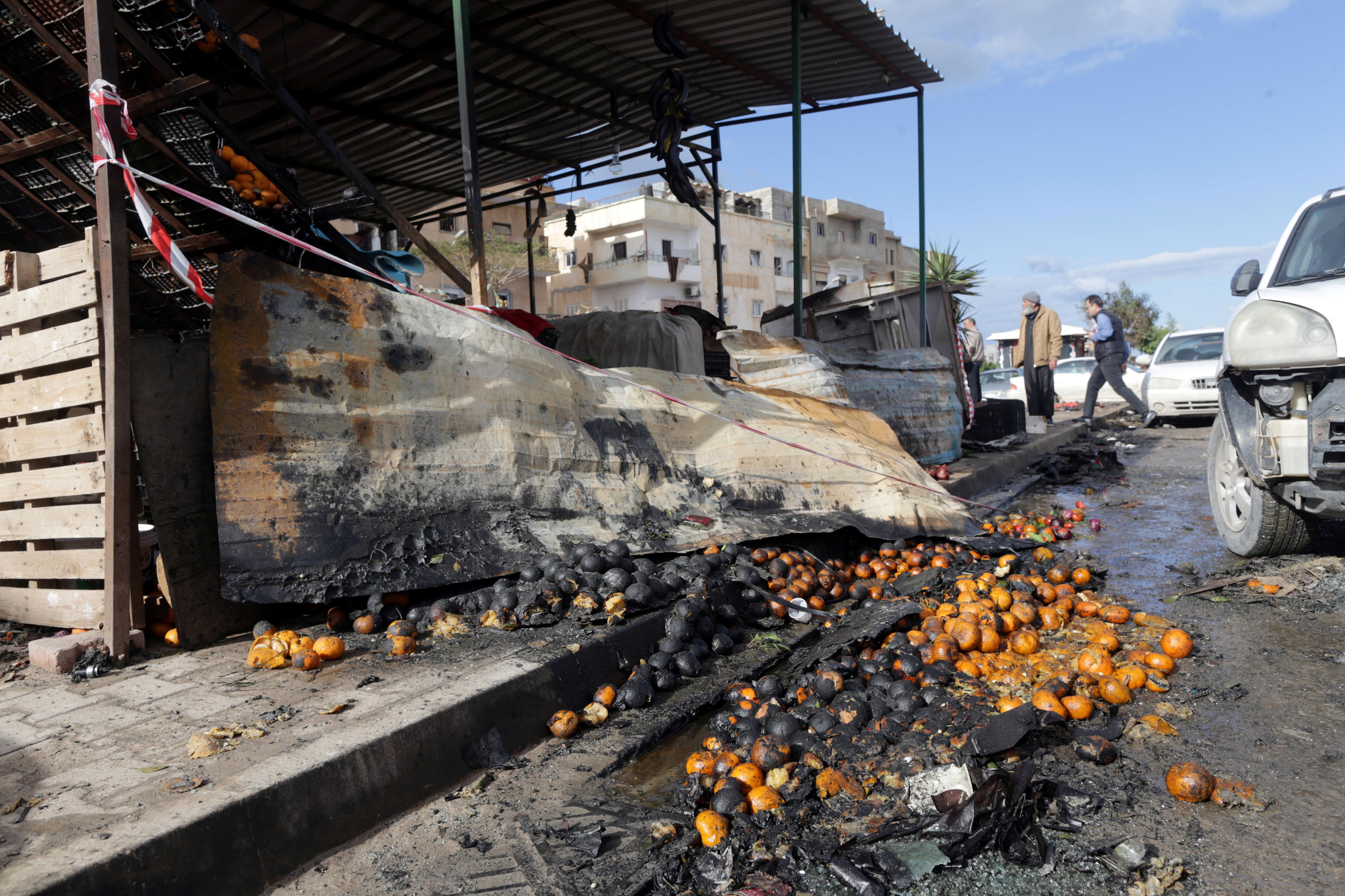 مزقوا صور معمر القذافي سنة 2011 فمزقنهم القنابل سنة2018 5028535-جانب-من-التفجير