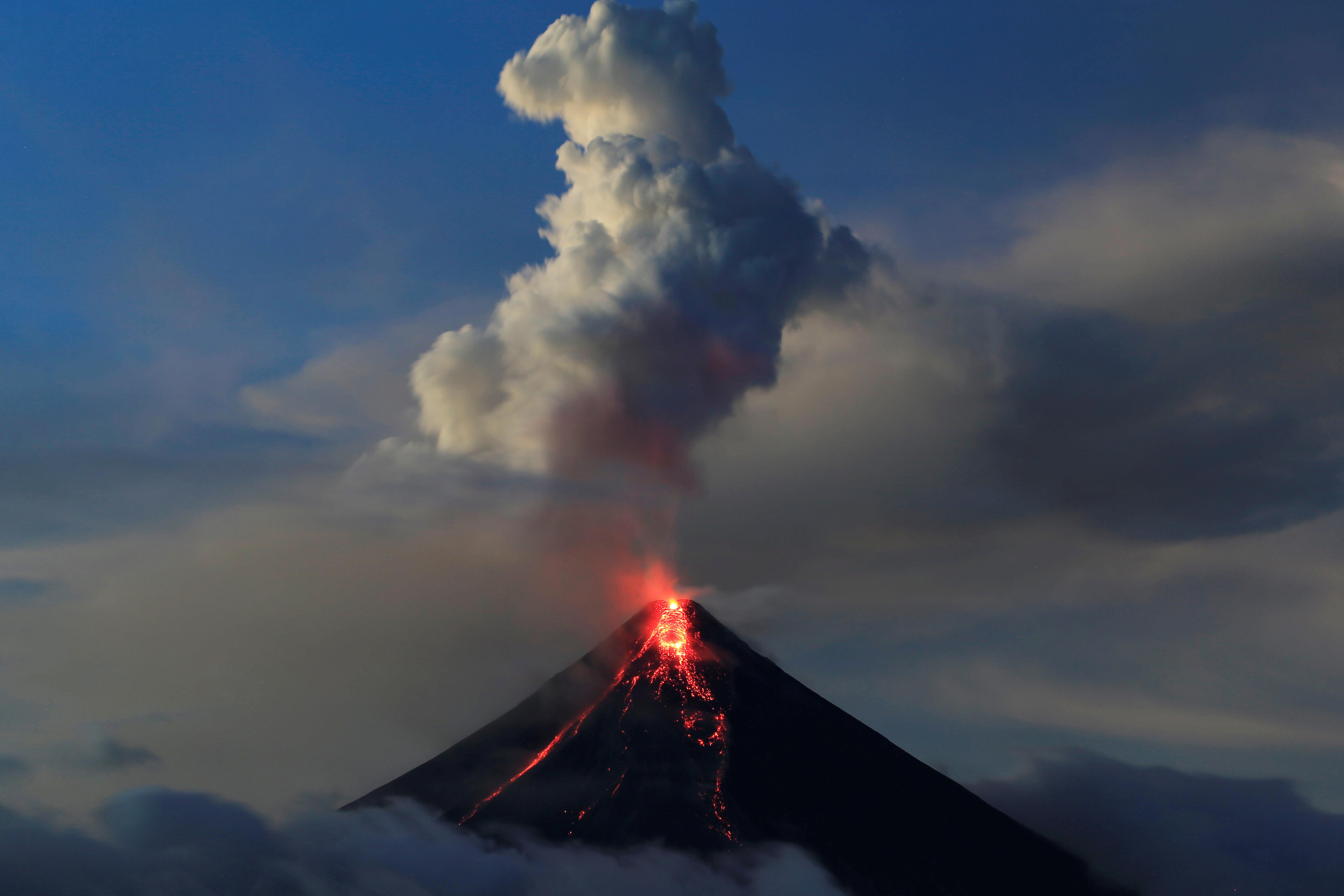 انفجار بركان الفلبين