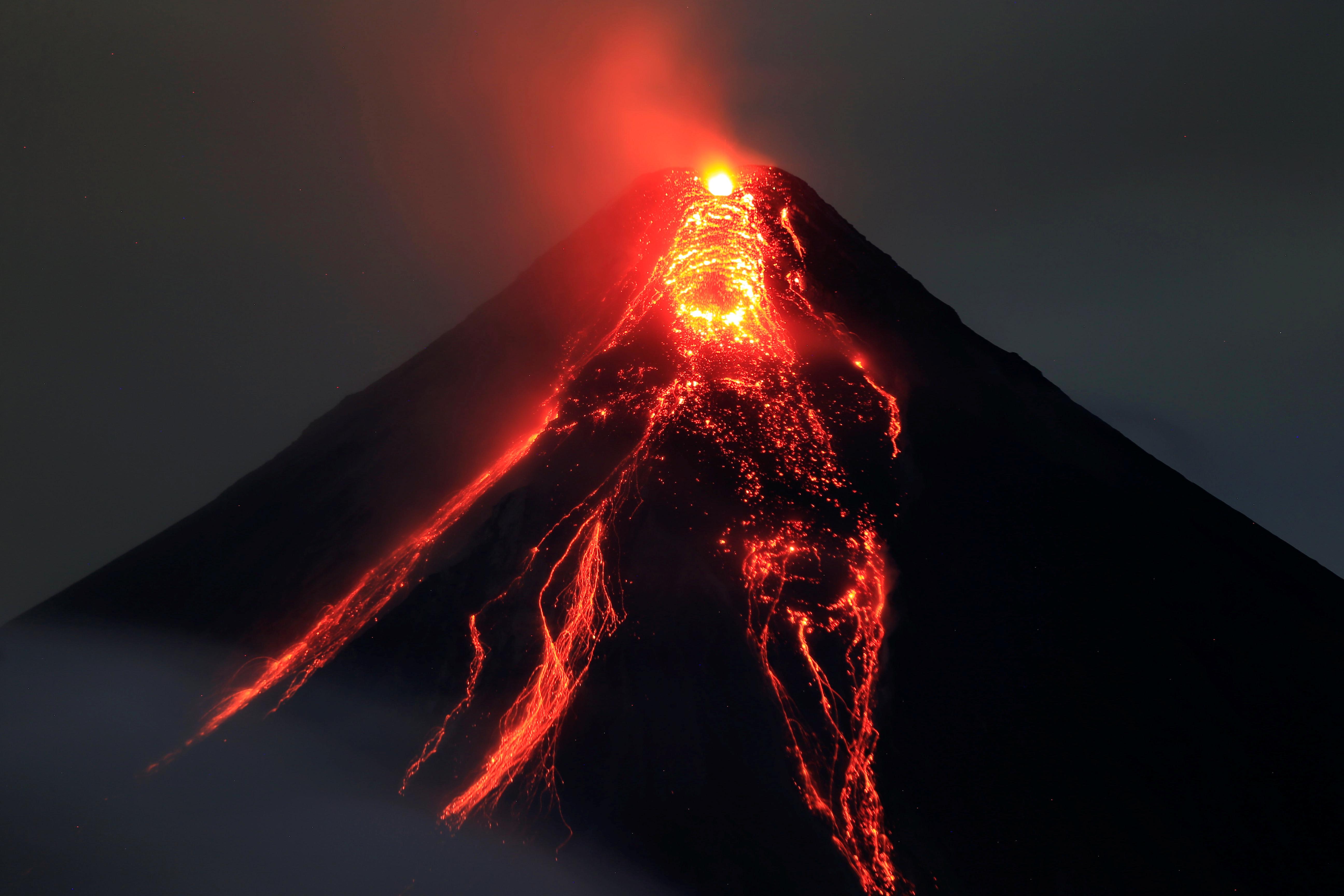 ارتفاع حمم البركان