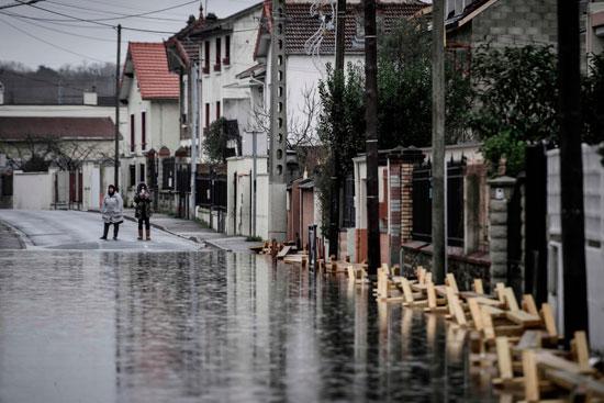 باريس تغرق فى الفيضانات وإجلاء المئات من منازلهم 59610-المياه-تغرق-ال