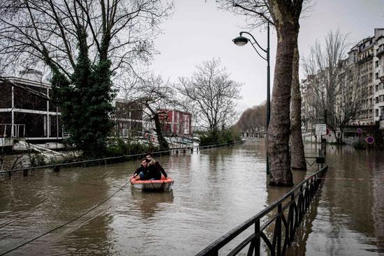 باريس تغرق فى الفيضانات وإجلاء المئات من منازلهم 75106-المياه-تغرق-ال