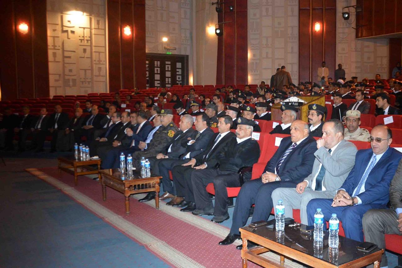 محافظ الأقصر يشهد إحتفالية مديرية الأمن بالذكري 66 لأعياد الشرطة المصرية (3)
