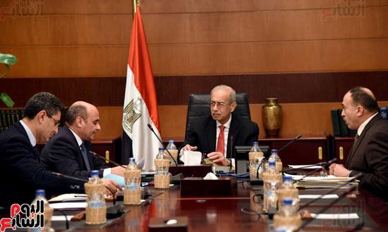 اجتماع رئيس الوزراء مع وزير شئون مجلس النواب (4)