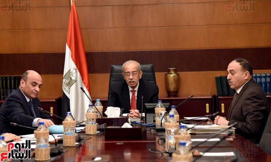 اجتماع رئيس الوزراء مع وزير شئون مجلس النواب (3)