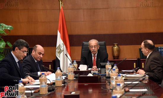 اجتماع رئيس الوزراء مع وزير شئون مجلس النواب (1)