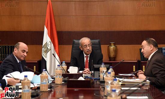 اجتماع رئيس الوزراء مع وزير شئون مجلس النواب (2)