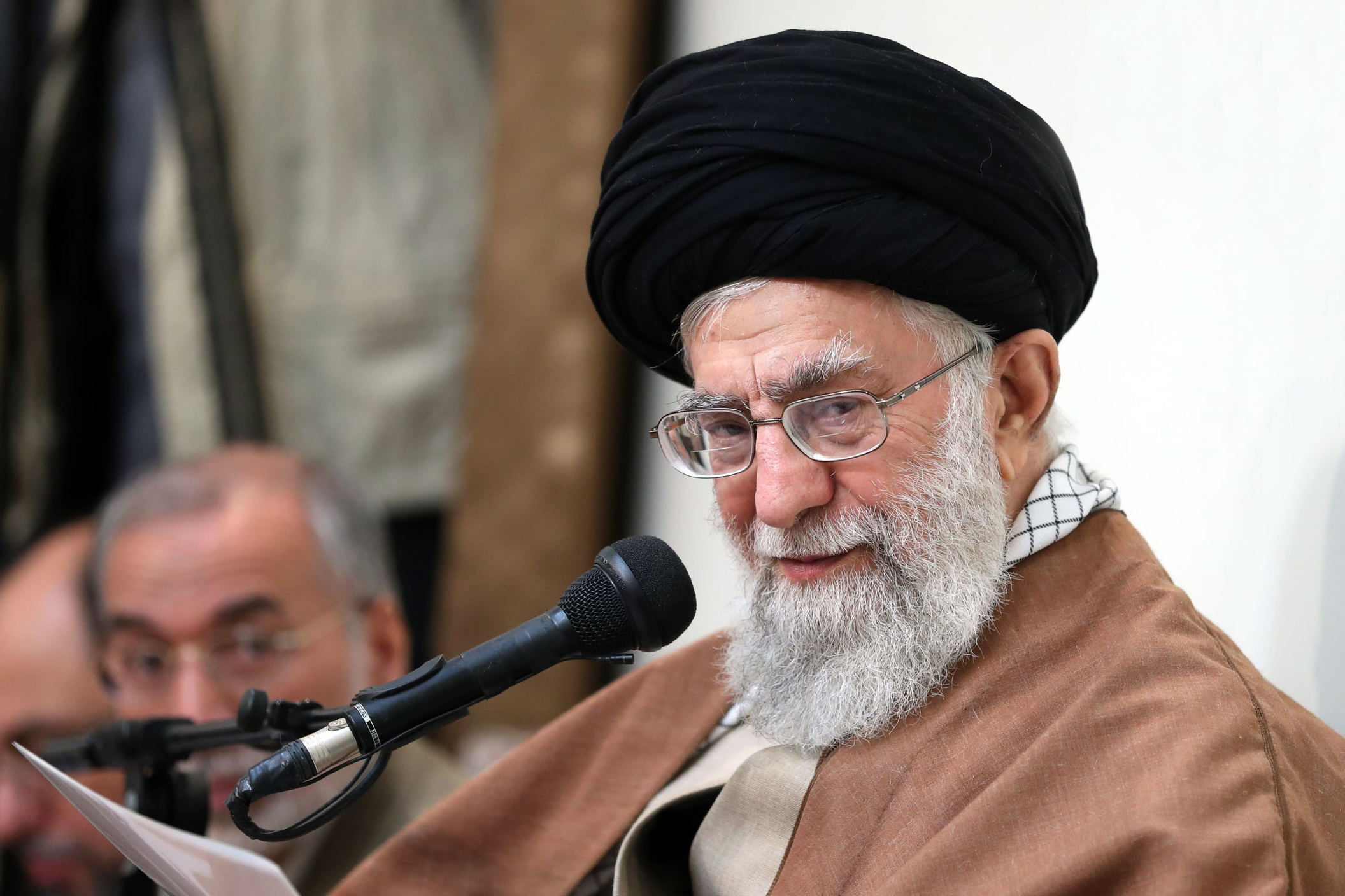 1389063-صور-المرشد-الإيرانى-آية-الله-على-خامنئى-(4)