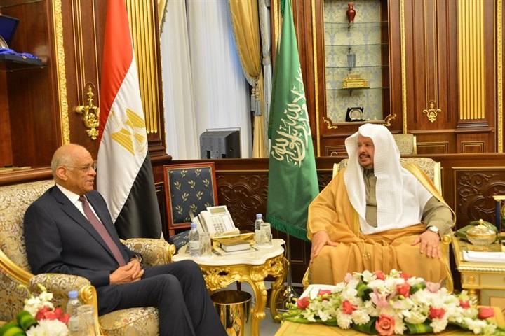 الدكتور على عبد العال وعبدالله بن إبراهيم آل الشيخ رئيس مجلس الشورى بالمملكة