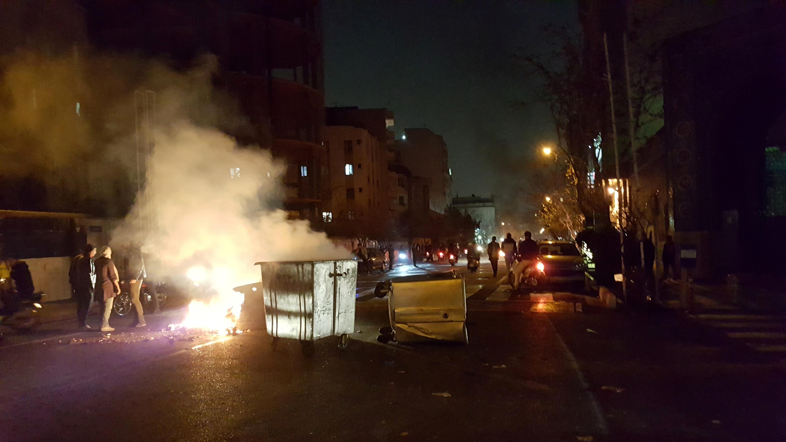 1930765-استمرار-أعمال-العنف-فى-ايران